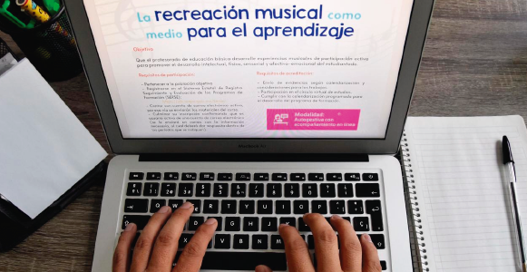 Imparte IEEPO el curso recreación musical como medio para el aprendizaje