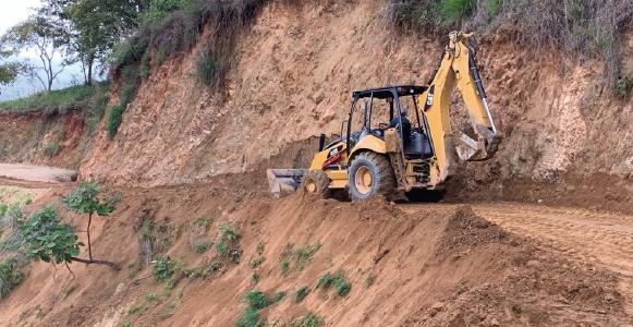 Se restablece la conectividad en 52 tramos carreteros  afectados por sismo: CAO