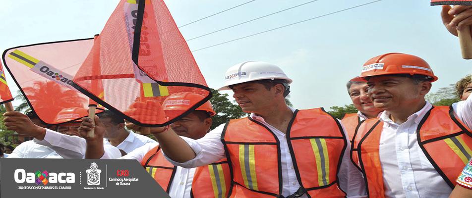 Impulsa el gobierno de Alejandro Murat obras de infraestructura carretera en la Cuenca.