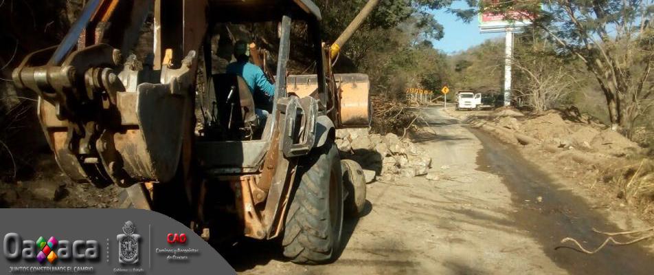 Restablece CAO caminos afectados por sismo en la Costa.