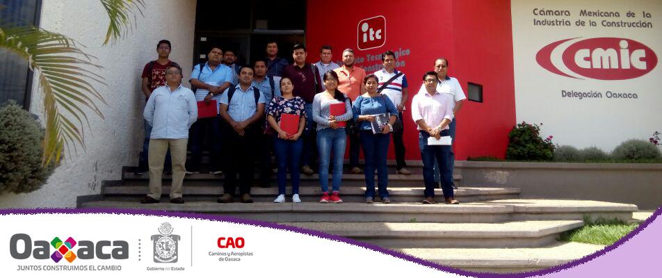Trabajadores de CAO participan en el curso de actualización de la Bitácora Electrónica de Obra Pública.