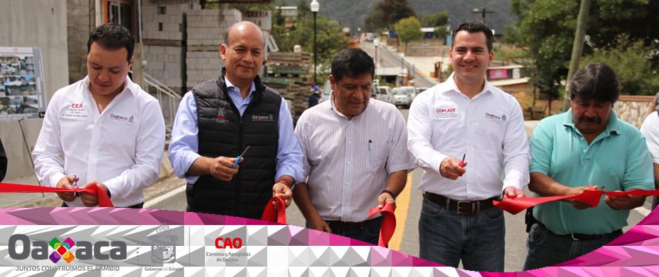 Inaugura Gobierno de Oaxaca reconstrucción de tramos carreteros en la Sierra Norte.