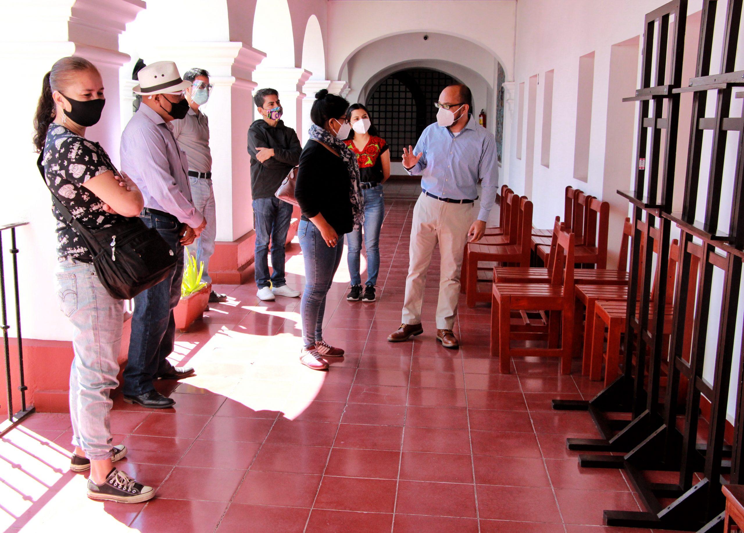 Constatan talleristas de la CCO mantenimiento a salones y mobiliario de la institución