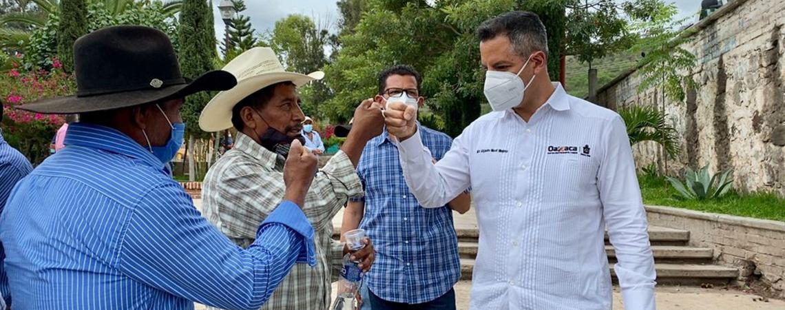 AMH construye ruta de paz en San Vicente Coatlán
