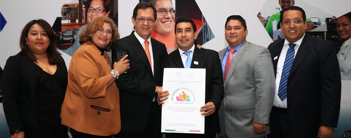 "Por segundo año consecutivo el Gobierno de Oaxaca recibe Distintivo Empresa Incluyente ""Gilberto Rincón Gallardo"""