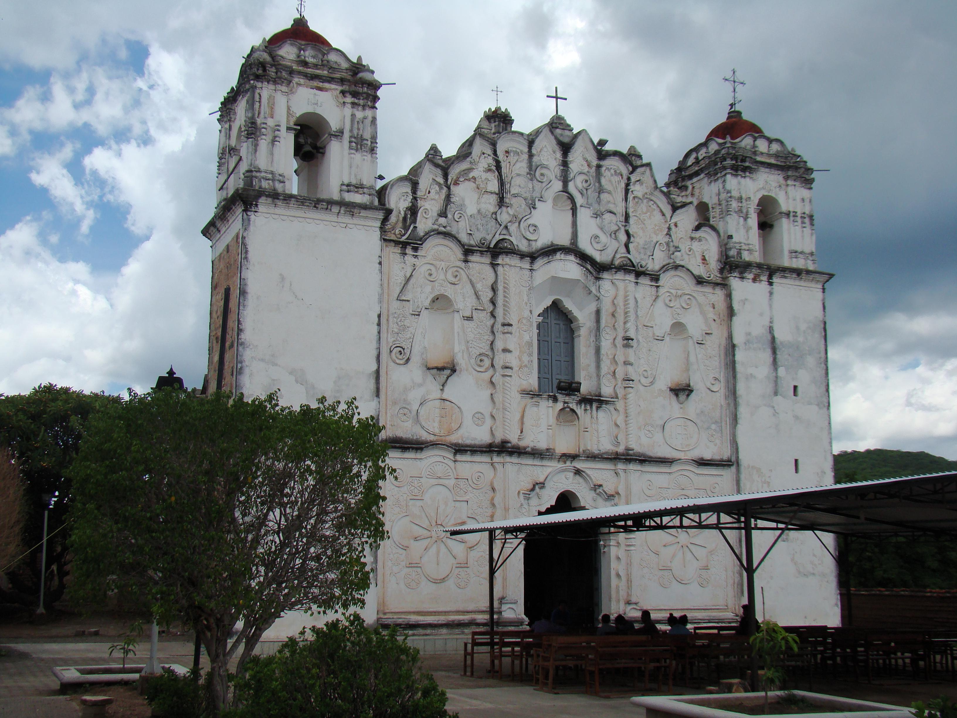 Recorre personal del INPAC Templo de San Bartolo Yautepec