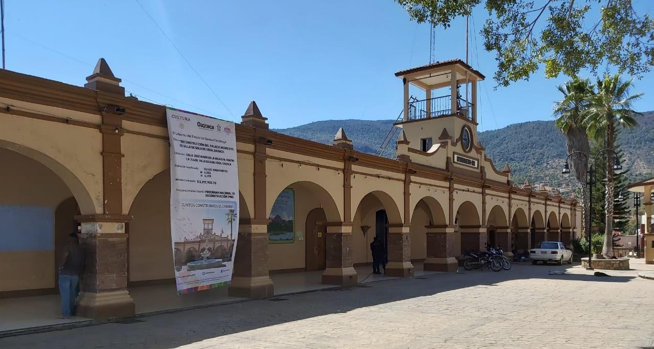 Alista el Inpac obras de reconstrucción del Palacio Municipal de Villa Sola de Vega