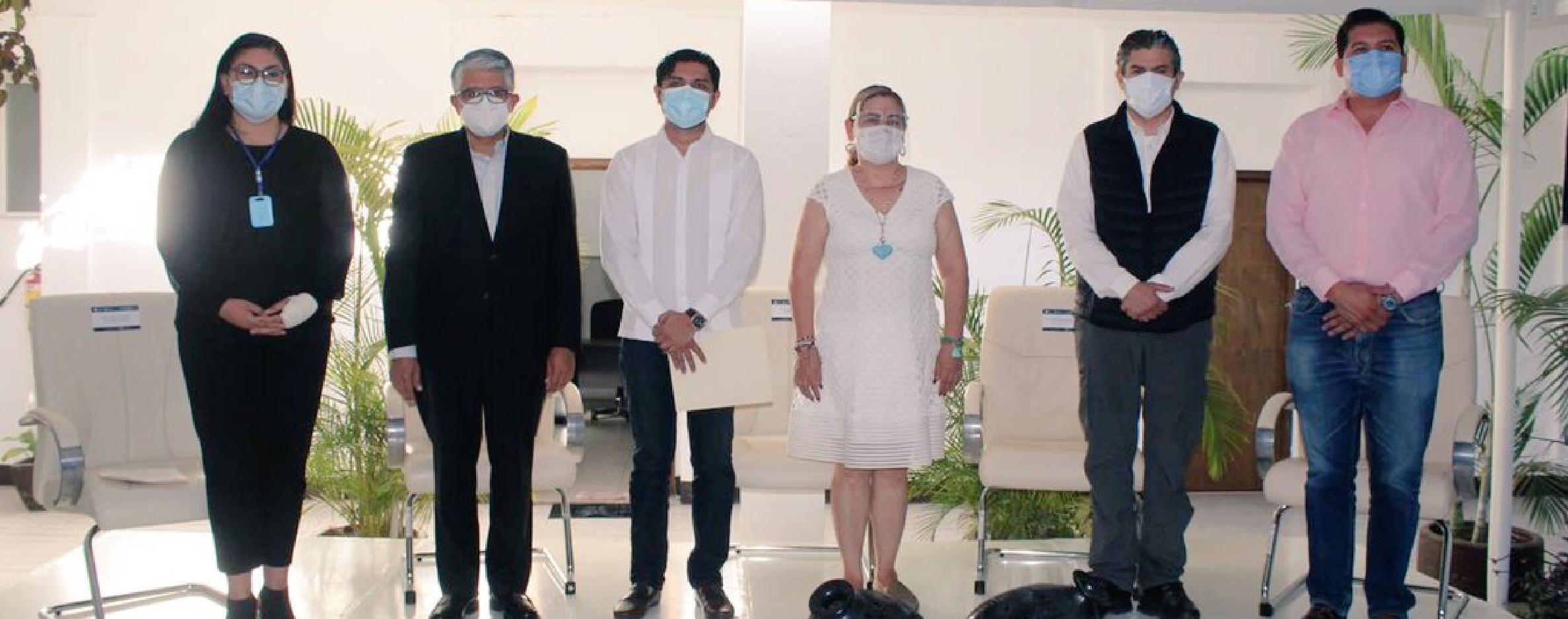 Presenta SSO y IAIP microsito de vacunación contra el COVID-19 en Oaxaca.