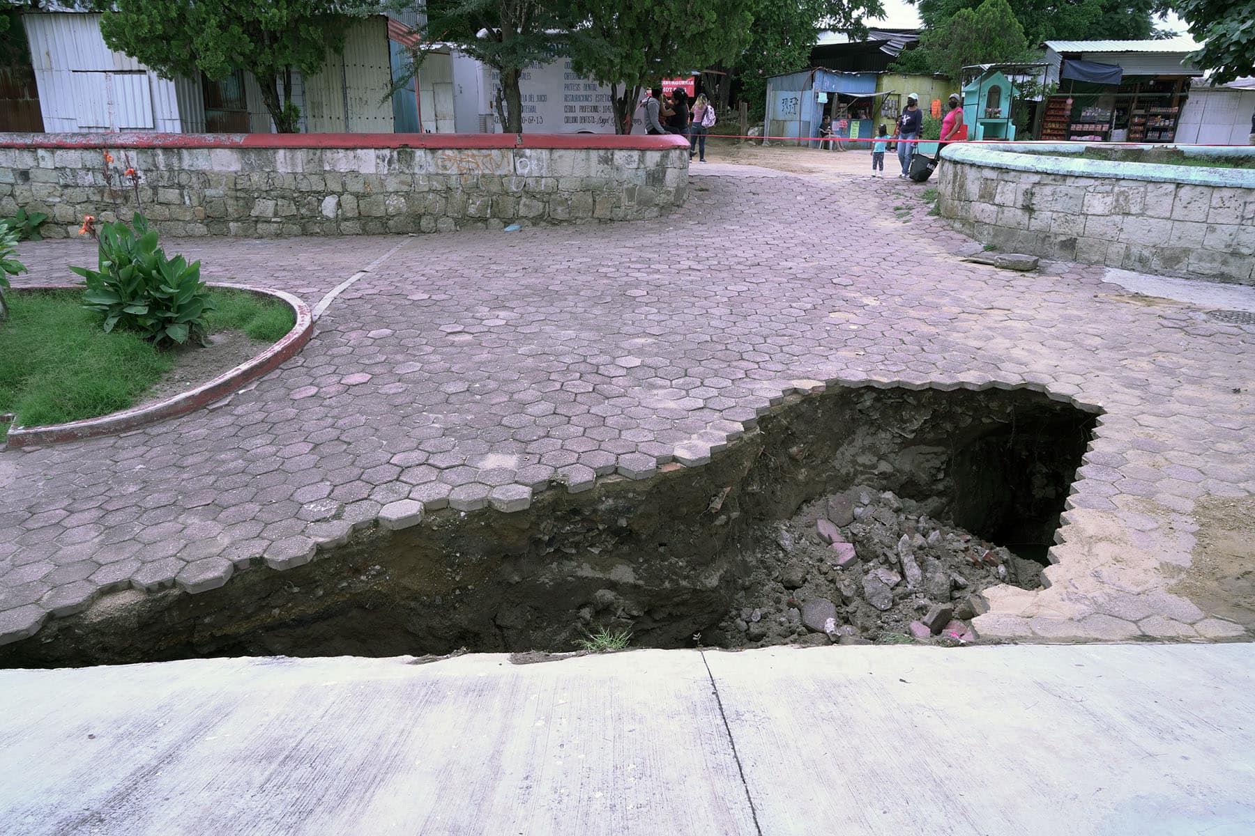 Activa SAPAO plan de supervisión emergente en asentamientos originados por las intensas lluvias.