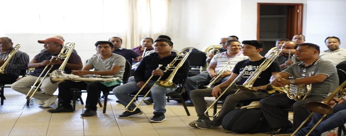 Participan músicos en la Master Class de Alejandro Díaz Avendaño